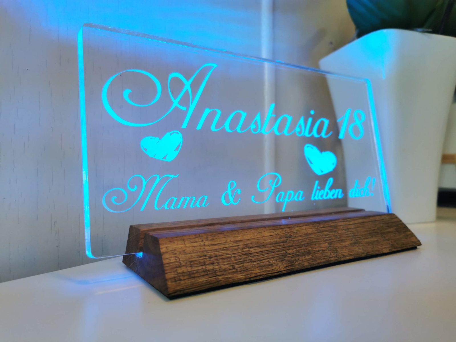 Acrylglas auf Holzsockel (beleuchtet) 25cm breit